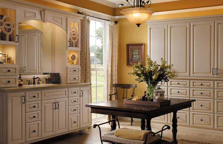 Charmant Starmark Cabinetry (FULL CUSTOM)